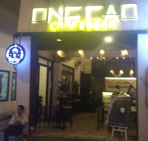 Ong Cao Craft Beer: exterior