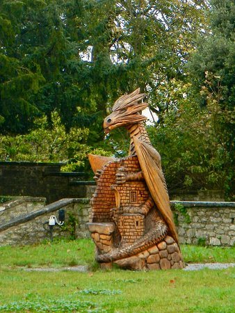 Mallow Castle: Dragon in the gardens