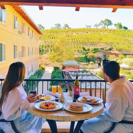 The Meritage Resort and Spa: Amazing breakfast with perfect views