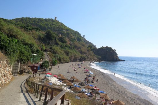 Maro, Ισπανία: Nice beach and not crowded