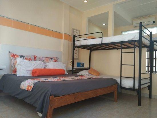 Villa Agung Beach Inn: Family Room(Room 3)
