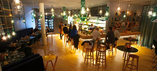TEMPO Bar Ou Manger: Salle, Côté Bar