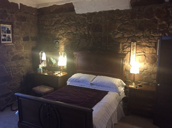 The Old Lockup: The Magistrates bedroom
