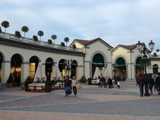 Img 20171029 164948 picture of serravalle for Serravalle outlet