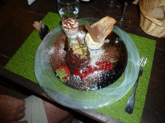 Saint Geniez d'Olt, France: dessert chocolat