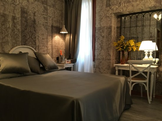 Hotel Gorizia A La Valigia  Venice  Italy  - Reviews  Photos  U0026 Price Comparison