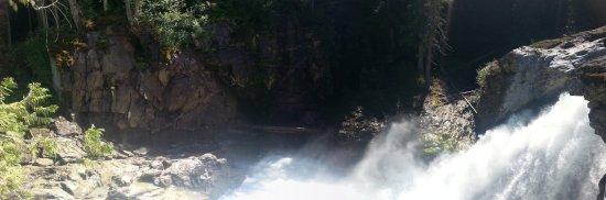 Pemberton, Canada: Les chutes d'eau, point culminant de la randonnée