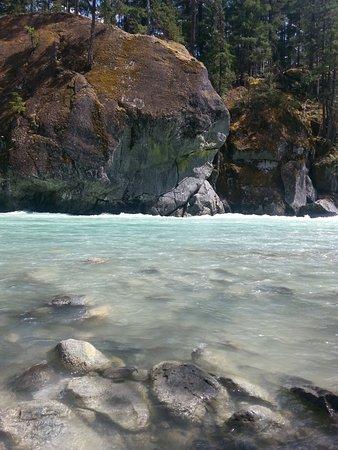 Pemberton, Canada: Tout au bord du cours d'eau