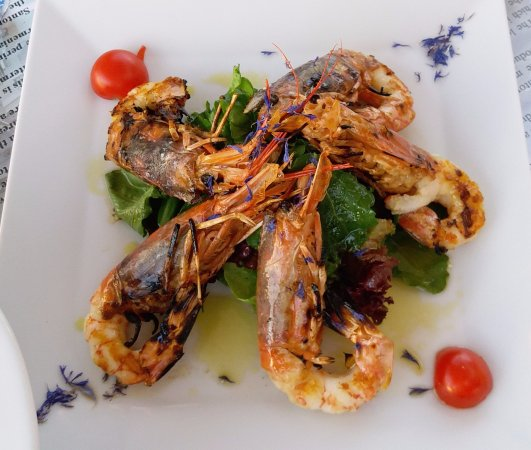 Pelekanos: Perfectly Grilled Prawns