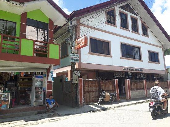 Lolo Oyong El Nido Pension House: Facade