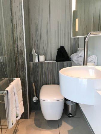 kleines Badezimmer, aber sehr stylish. - Bild von OKKO ...