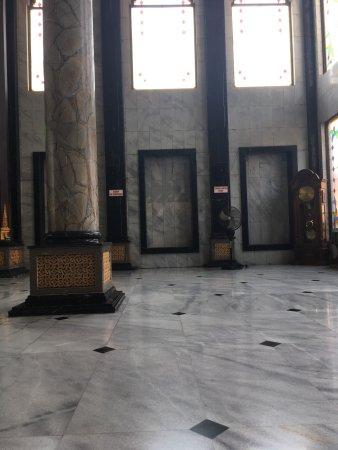 Baitul Mukminin Grand Mosque