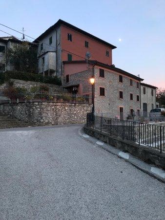 Molazzana, Italia: photo1.jpg