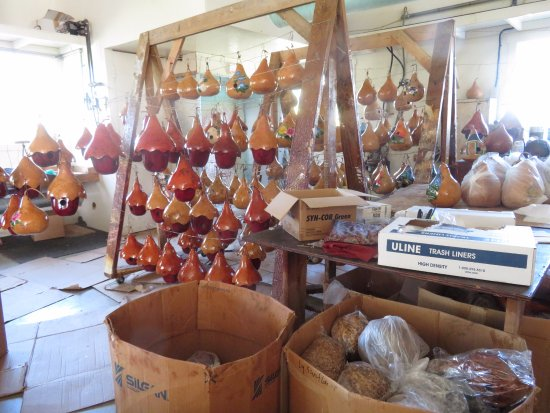 Kinzers, Pensilvania: Work Area For Preparing Gourds