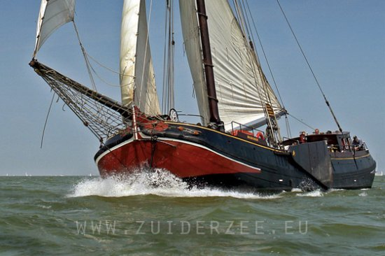 Monnickendam, Belanda: Sailingtrips in Holland on a traditional sailingvessel