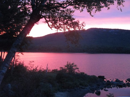 Jackman, Μέιν: Sunset over Attean Lake and Sally Mountain