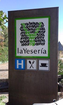 La Yeseria: entrada del local