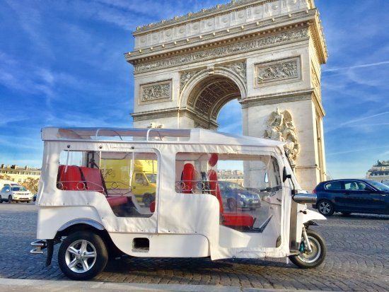 Paris Tuktuk