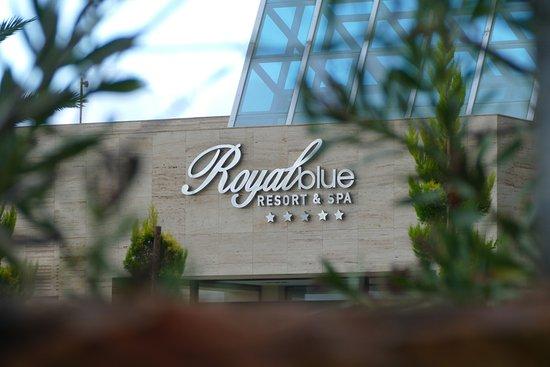 The Rοyal Blue : Fasade des Gebäudes