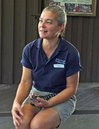 Edisto Island Serpentarium: Trish told us a lot about alligators. The baby alligator was pretty darned cute.