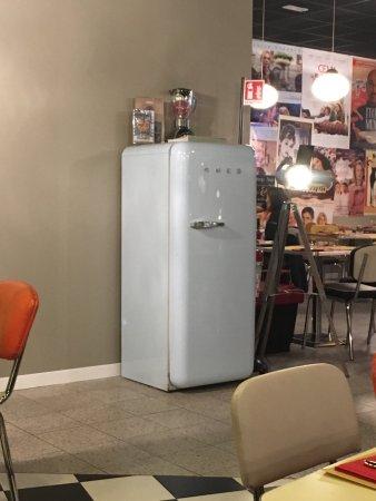 Buffo frigorifero nel ristorante... funzionante! - Picture ...
