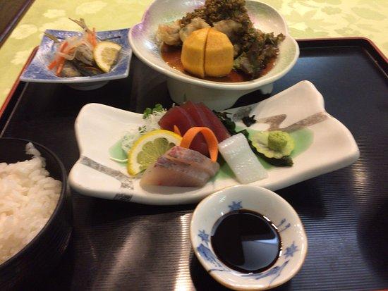 Kobayashi, اليابان: 夕食の献立