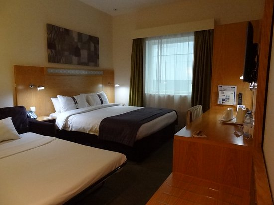 Zdjęcie Holiday Inn Express Dubai Airport