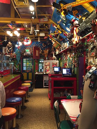 Papermoon Diner: Arts meets Eats