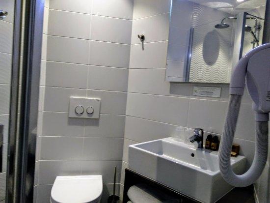 Cuarto de baño - Bild von Hotel de Flore, Paris - TripAdvisor