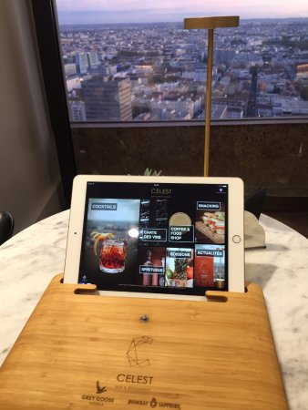 Radisson Blu Hotel, Lyon : Menu sur tablette Celest Bar & Restaurant