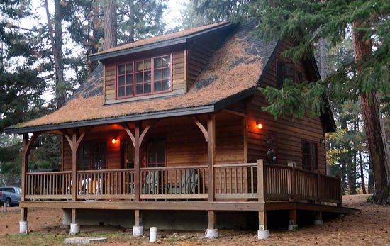 ซิสเตอร์ส, ออริกอน: New Cabin