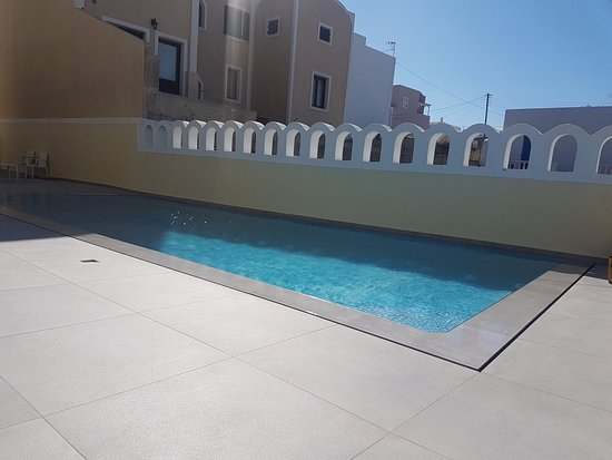 Karteradhos, Greece: Anna Pension swimming pool