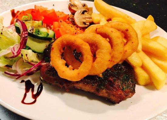 Larkhall, UK: sirlon steak 