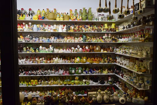 Salt and Pepper Shaker Museum : Awesome collection !