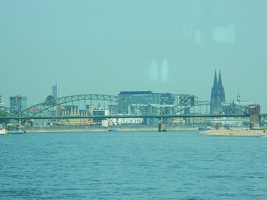 KD Day Cruises: View of Cologne
