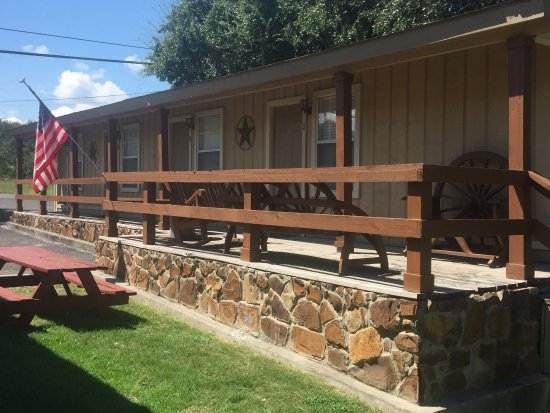 Canyon Springs Country Lodge