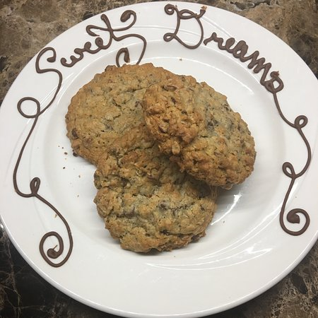 The Keeter Center at College of the Ozarks - Lodging: HUGE and Yummy Chocolate chip cookies for turndown service!