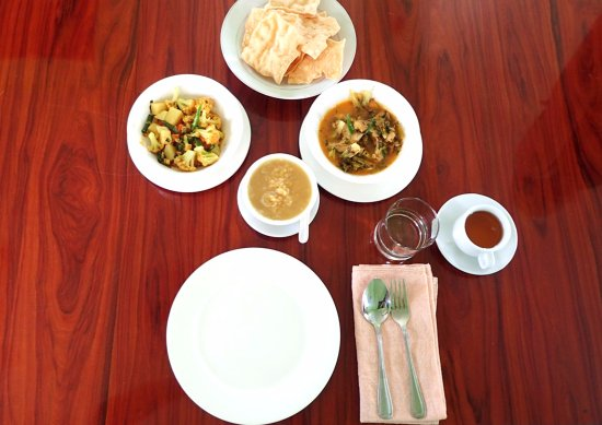 Enjoy an authentic Burmese meal in Mandalay - Traveling Spoon