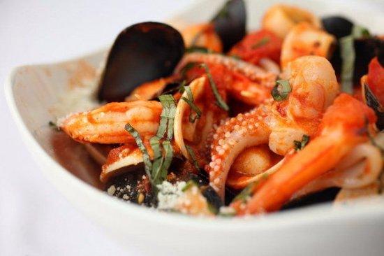 Avon Lake, OH: Fantasia de Mare - Seafood Medley