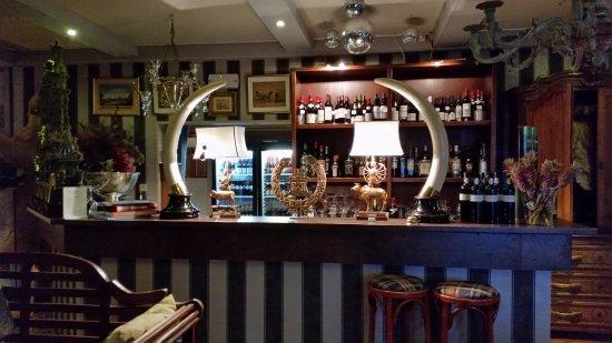 Maissin, België: Bar in het chalet