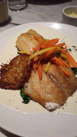 Dock's Oyster House: snapper over spinach