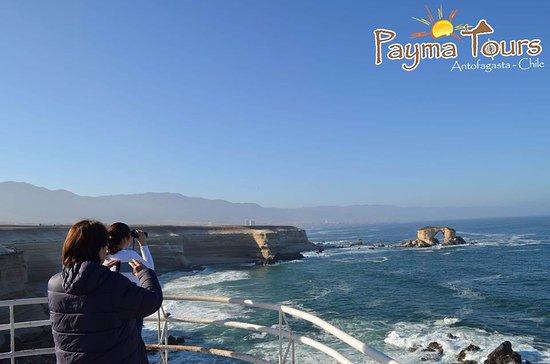 La Portada: Este arco se lo aprecia desde la costa al igual que sus hermosos acantilados.