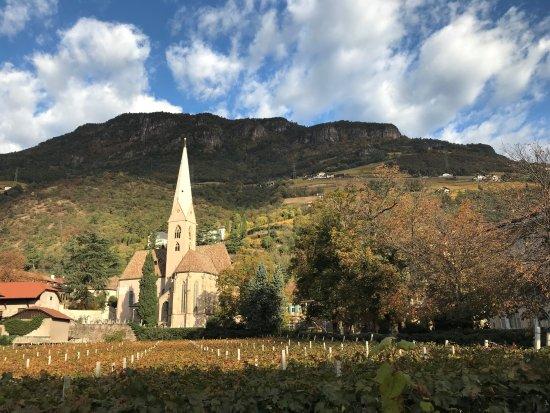 Alte Grieser Pfarrkirche mit dem Altar von Michael Pacher