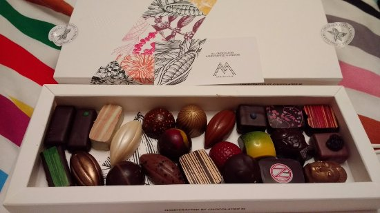 Knokke, Bélgica: Self selected box of chocolates