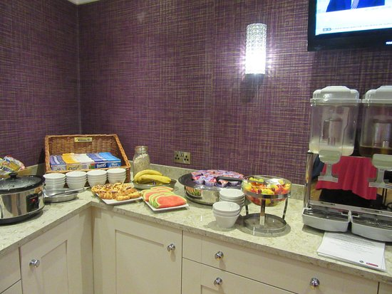 Fivemiletown, UK: breakfast buffet