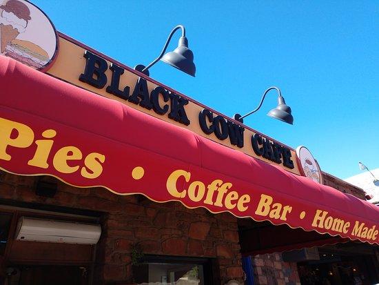 Black Cow Cafe: signage