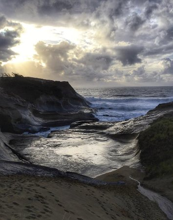 Cape Kiwanda State Natural Area: View from the other side