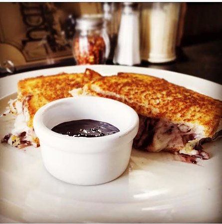 Wahpeton, ND: Monte Cristo Grilled Cheese