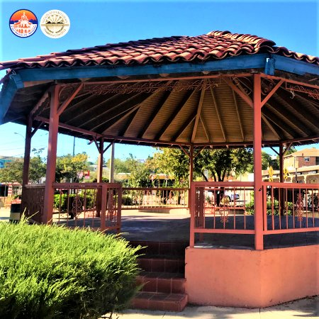 Nogales, AZ : Enjoy a captivating book of choise right outside the library