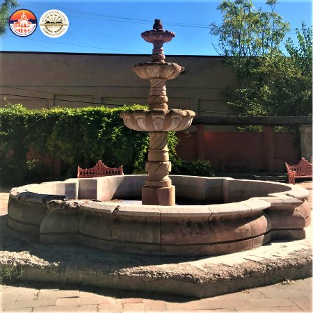 Nogales, AZ: Fountain right outside the parking lot